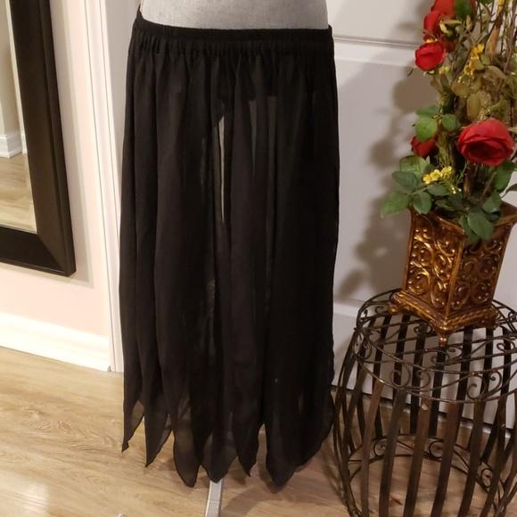 Dresses & Skirts - NWOT Belly Dance Tassle Skirt